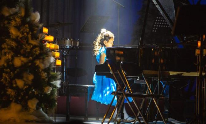 Бяцхан төгөлдөр хуурч О.Нандин ирээдүйн оддын олон улсын уралдаанд 2-р байр эзэлжээ