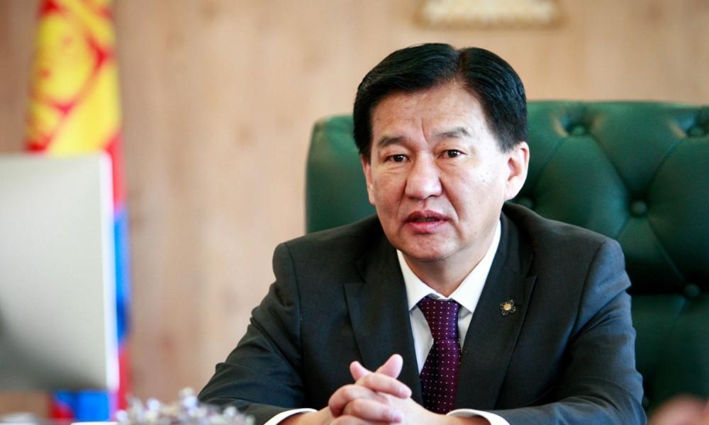 """Сайд Ц.Даваасүрэн 139 хятад ажилчдыг барьцаалж хоёр сая долларын тендер """"будлиантуулсан"""" уу?"""