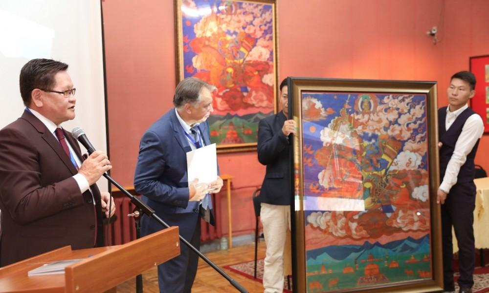 Ө.Энхтүвшин: Н.К.Рерих бол Монгол судлаачдын дундаас Монгол орны түүх, байгалийн дүрслэлийг бүтээлийнхээ нэгэн чухал сэдэв болгодогоороо онцлогтой